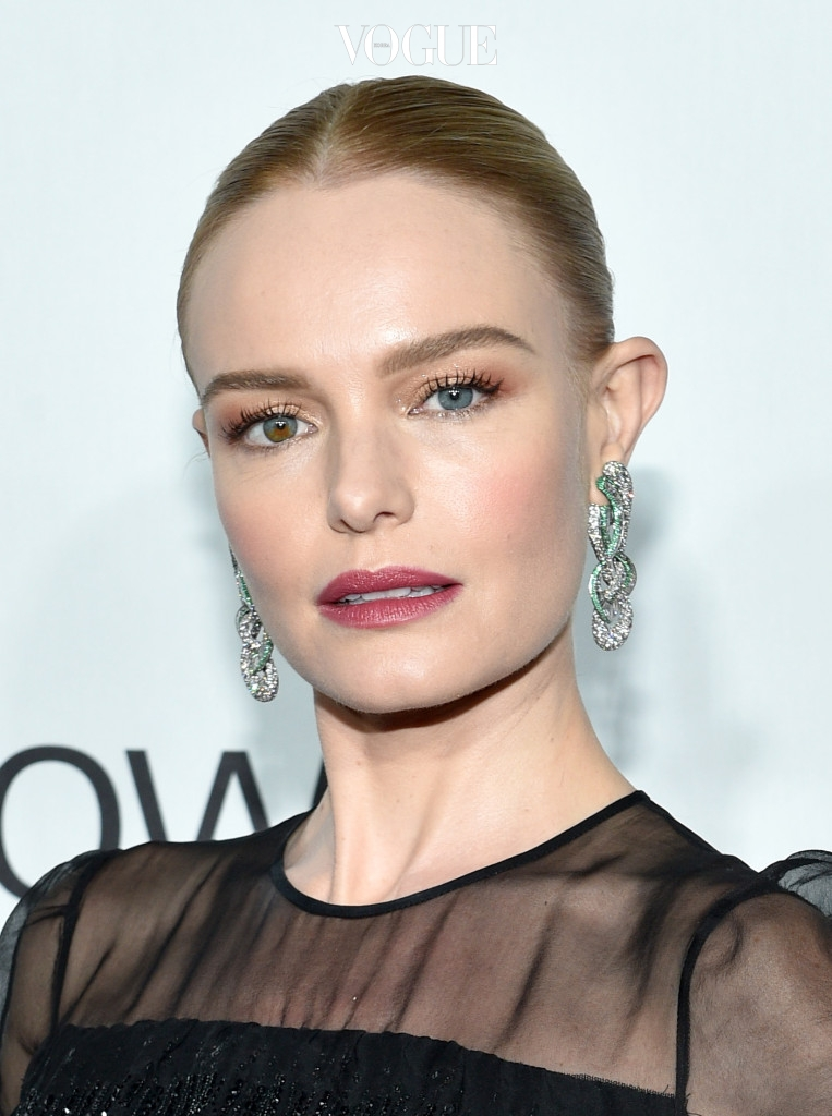 오드아이를 가진 대표적인 미국 배우 'Kate Bosworth'. 그녀는 오른쪽 눈 아래가 브라운 컬러로 그라데이션되는 신비로운 오드아이의 소유자에요.