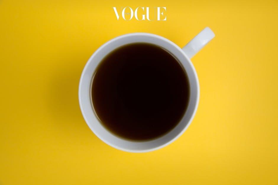 매일 아침, 잠을 쫓고자 마시는 블랙 커피. 스폰지도 카페인이 필요하다면 믿으시겠어요?