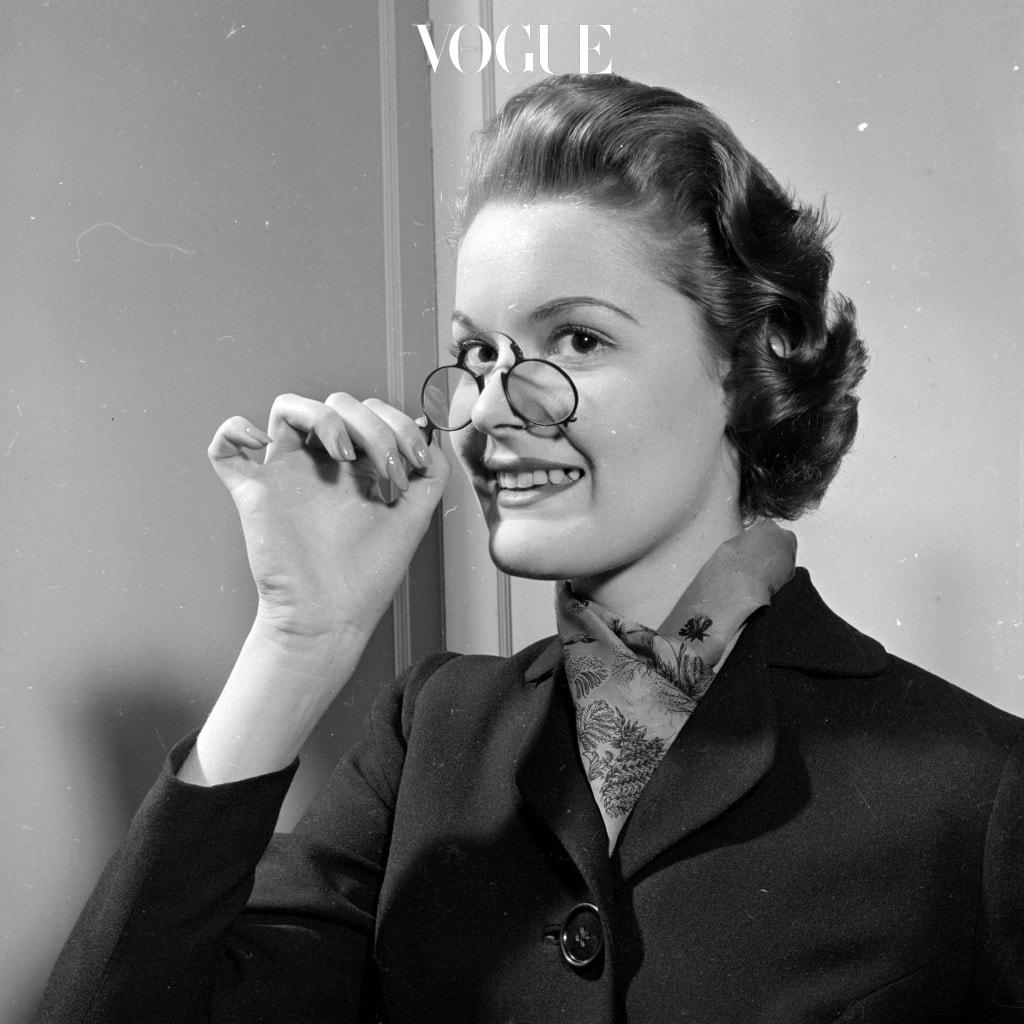어떤가요, 안경으로 다양한 스타일을 완성한 스타들의 모습을 보니!