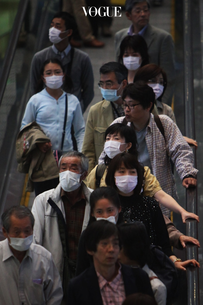 국립환경과학원은 미세먼지에 장시간 노출되면 면역력이 떨어지고 감기, 천식, 기관지염 등의 호흡기 질환은 물론 심혈관 질환, 안구 질환 등 각종 질병에 노출될 수 있다고 경고한 바 있죠. 세계보건기구도 미세먼지 중 디젤엔진에서 배출되는(대부분의 미세먼지는 자동차 매연이 원인)BC(Black Carbon)를 1급 발암물질로 지정했습니다.