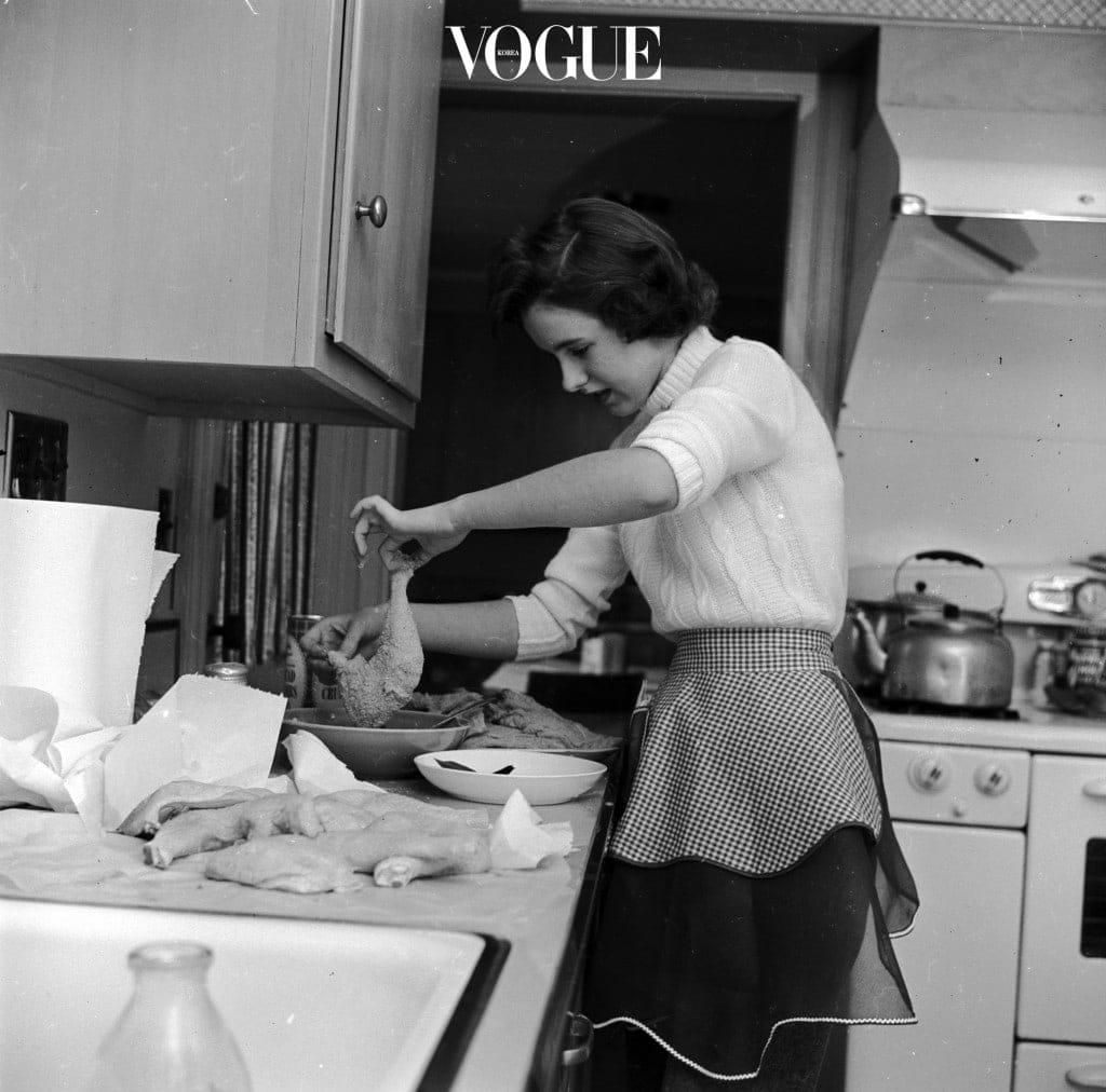 (물론, 식사를 준비하는 이 세상의 모든 어머님과 주부님, 홀로족들은 기염을 토해낼 소리겠지만;;)