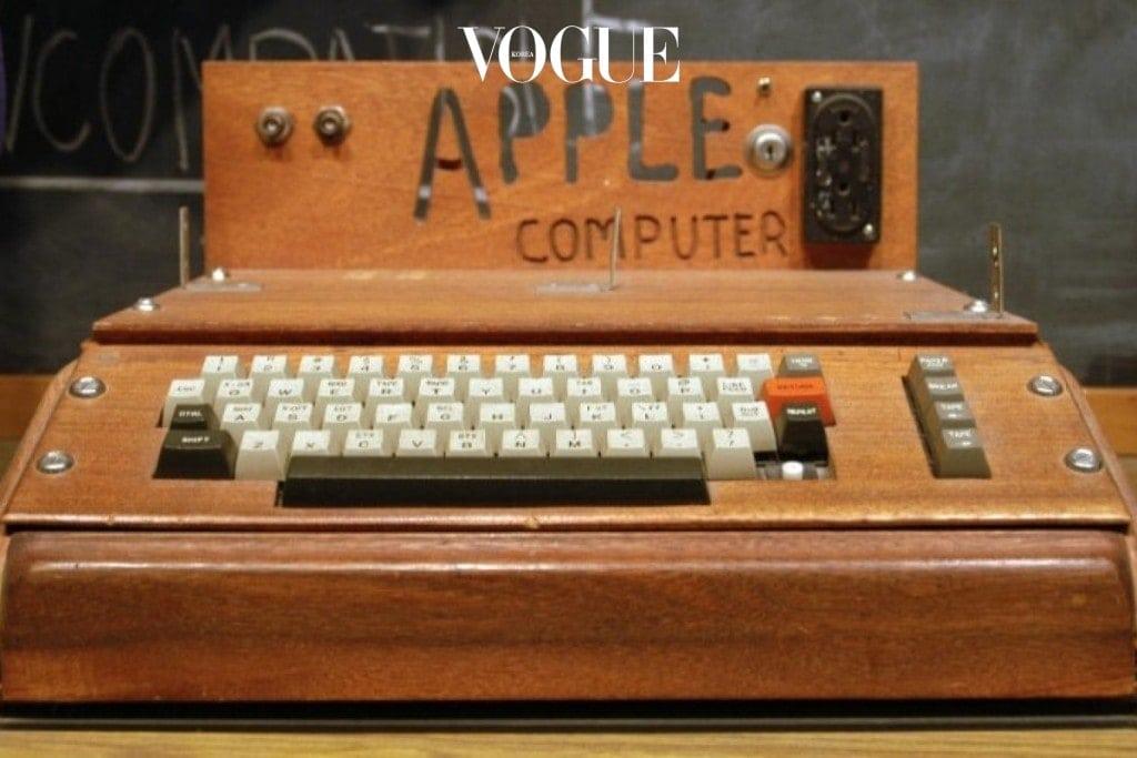 apple_1_story-1200x800