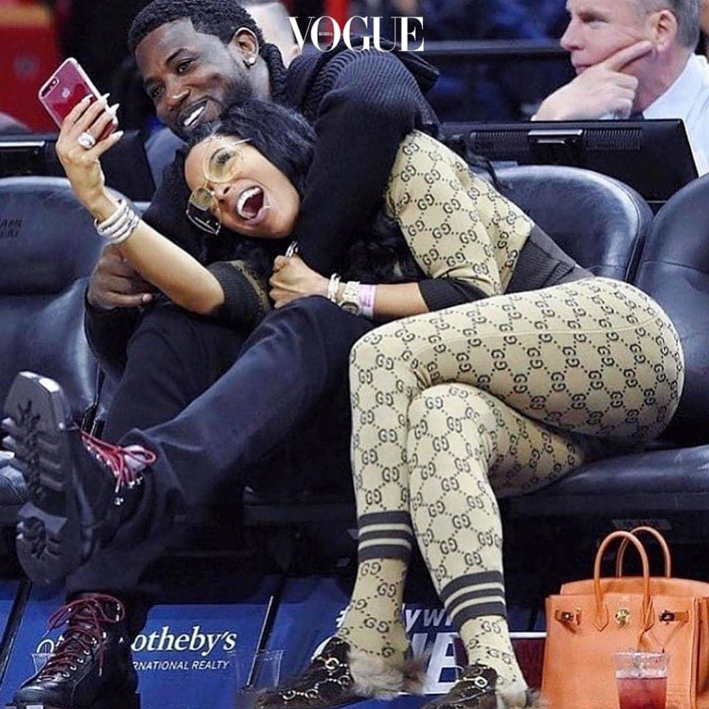 래퍼 남편인 구찌 메인(Gucci Mane)에 대한 사랑 표현인지 발끝까지 로고로 도배한 모습! @keyshiakaoir
