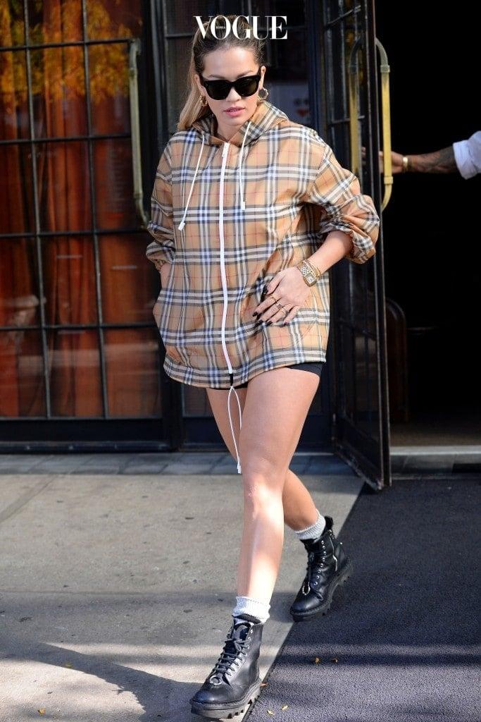 힙한 스타일로 부활하고 있는 게 그 증거죠. 리타 오라 Rita Ora