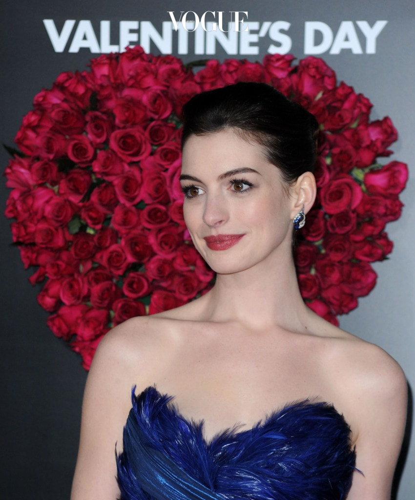 "Premiere Of New Line Cinema's ""Valentine's Day"" - Arrivals"