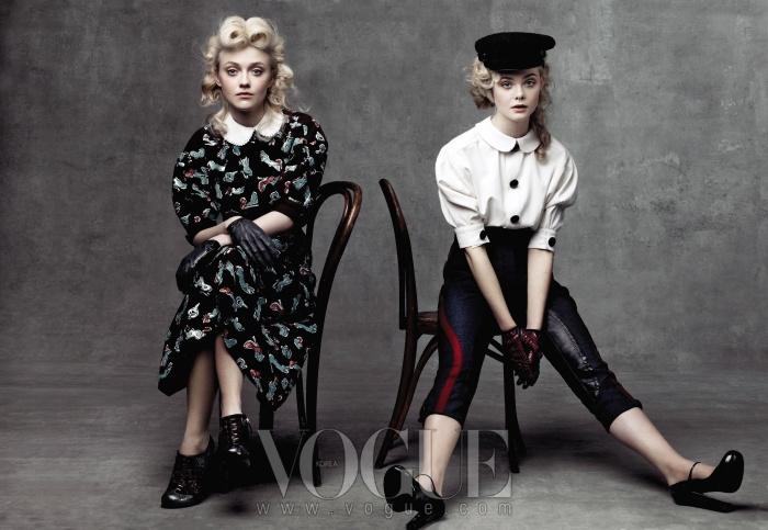 다코타와 엘르의 의상은 루이 비통(Louis Vuitton).