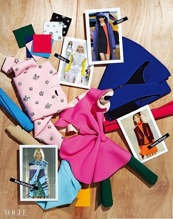 크리스털 장식 티셔츠는 아르케, 블루 컬러 원피스는 DKNY, 핑크색 톱은 럭키 슈에뜨, 하늘색 플레어 스커트는 에센셜.