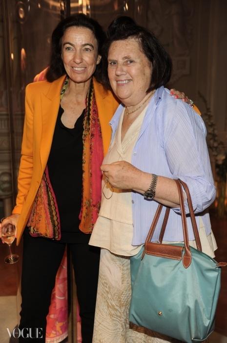 에밀리오 푸치의 딸이자 CEO인 라우도미아와 함께.