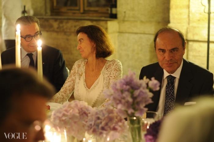 알타감마 재단(Fondazione Altagamma)의 전무이사인 아르만도 브란치니, 푸치의 CEO인 라우도미아 푸치, 그리고 저널리스트 브루노 베스파. ⓒ SGP