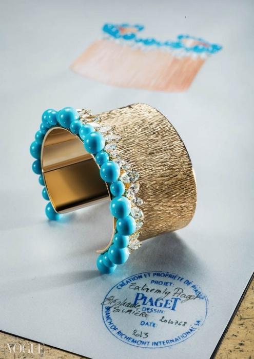 마퀴즈 컷의 다이아몬드들로 장식된 금과 터키석 커프. ⓒ Piaget