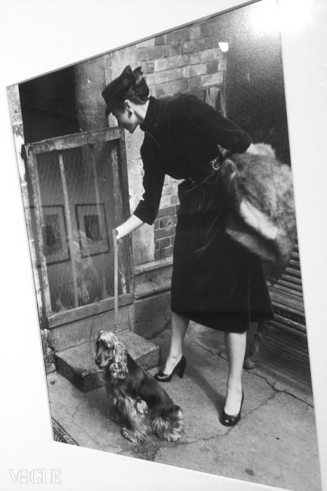 파리에 있는 베티나, 1951 ©앙리 카르티에 브레송 / Magnum Photos