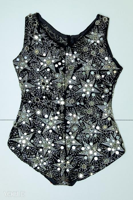 '보그' 수영복, 튜브와 유리·스와로브스키 크리스털로 수놓은 실크 벨벳 소재, 1924년 여름