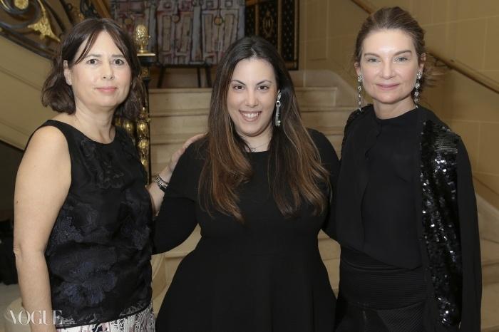 (왼쪽부터) 알렉산드라 슐만, 디자이너 마리 카트란주, 나탈리 마스네ⓒ Darren Gerrish, British Fashion Council