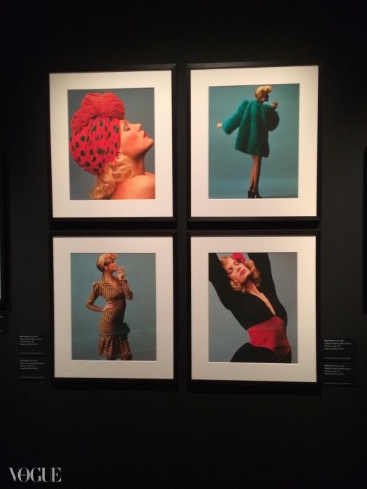 컬렉션의 모델 윌리 반 루이.Hans Feurer / Elle / Scoop ⓒ Fondation Pierre Bergé - Yves Saint Laurent