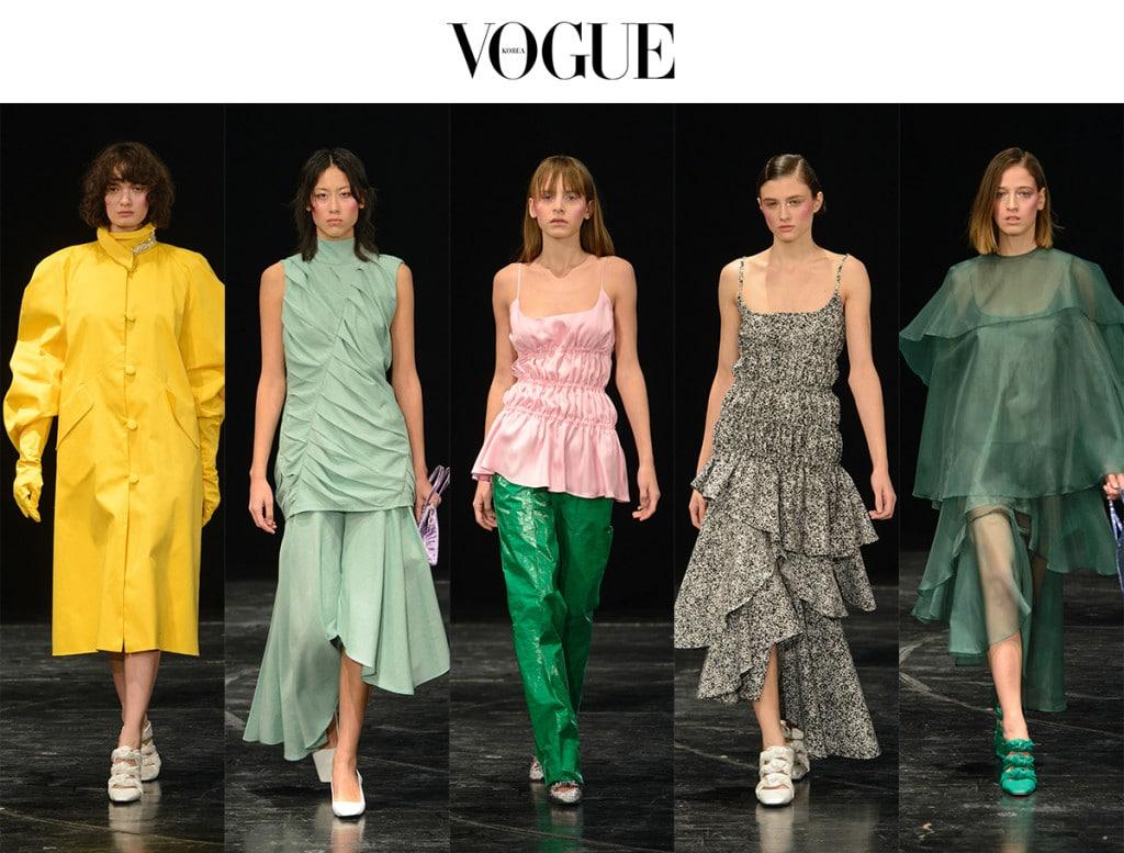 올해로 26살을 맞이한 디자이너 라도 보쿠차바는 데뷔한 지 5년이 채 되지 않은 신인 디자이너다. 그렇지만 아틀리에 키칼라(Atelier Kikala)나 매티리얼(Materiel)등 디자이너 그룹과의 협업을 주도할만큼 능숙한 디자이너다. 이번 시즌에는 깨끗하고 순수한 색채 스펙트럼을 이용해 80년대 스타일의 드레스들을 선보였다.