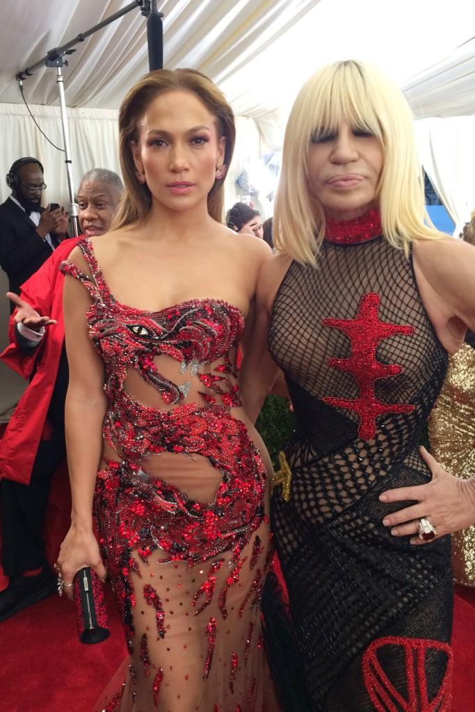 16-Jennifer-Lopez-wearing-Atelier-Versace-with-Donatella-Versace-b