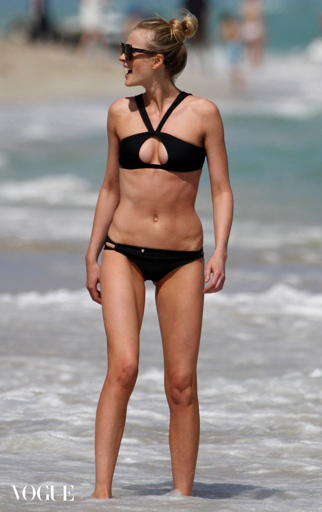 Sports Illustrated swimsuit model Anne V enjoys a day on the beach at the Fountainebleau Hotel ****NO DAILY MAIL SALES***