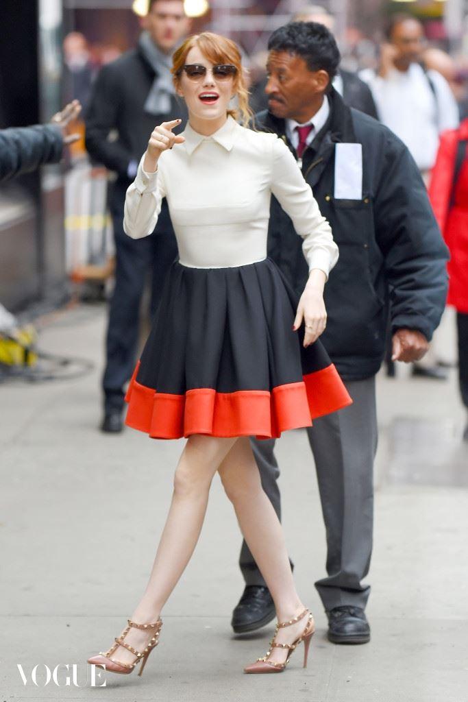 Emma Stone looks amazingly stylish for 'Good Morning America'