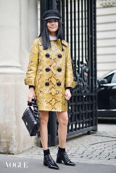 Street Style - Paris Fashion Week - Womenswear Spring/Summer 2016 : Day Nine