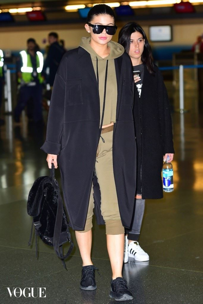 Kylie Jenner Showcases Natural Beauty as she Lands in NYC with BF Tyga