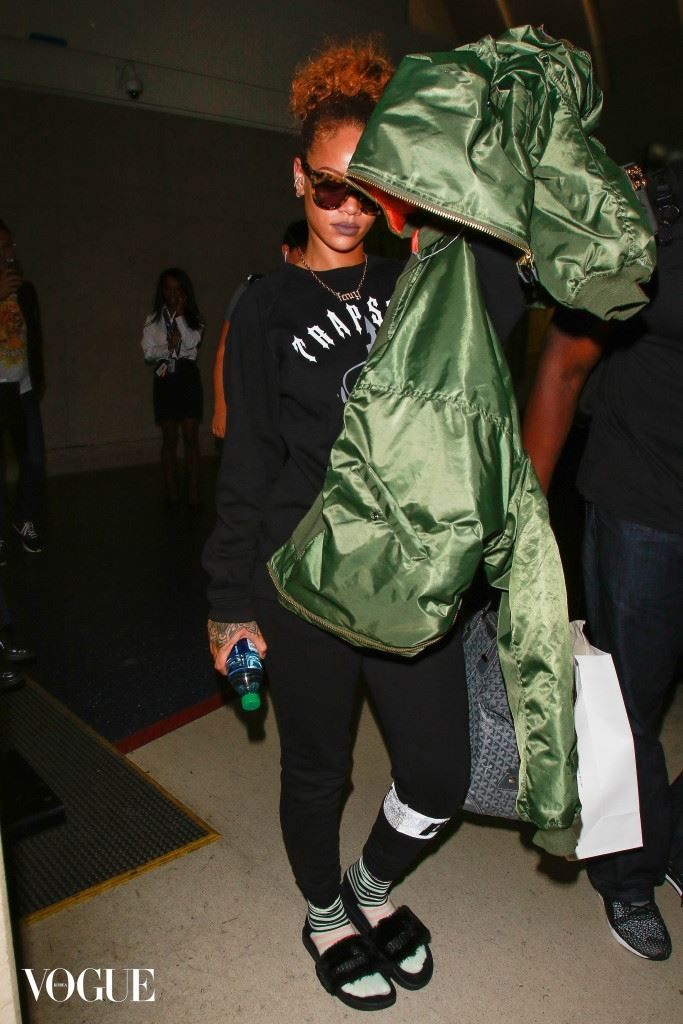 Rihanna is dressed for comfort as she arrives at LAX