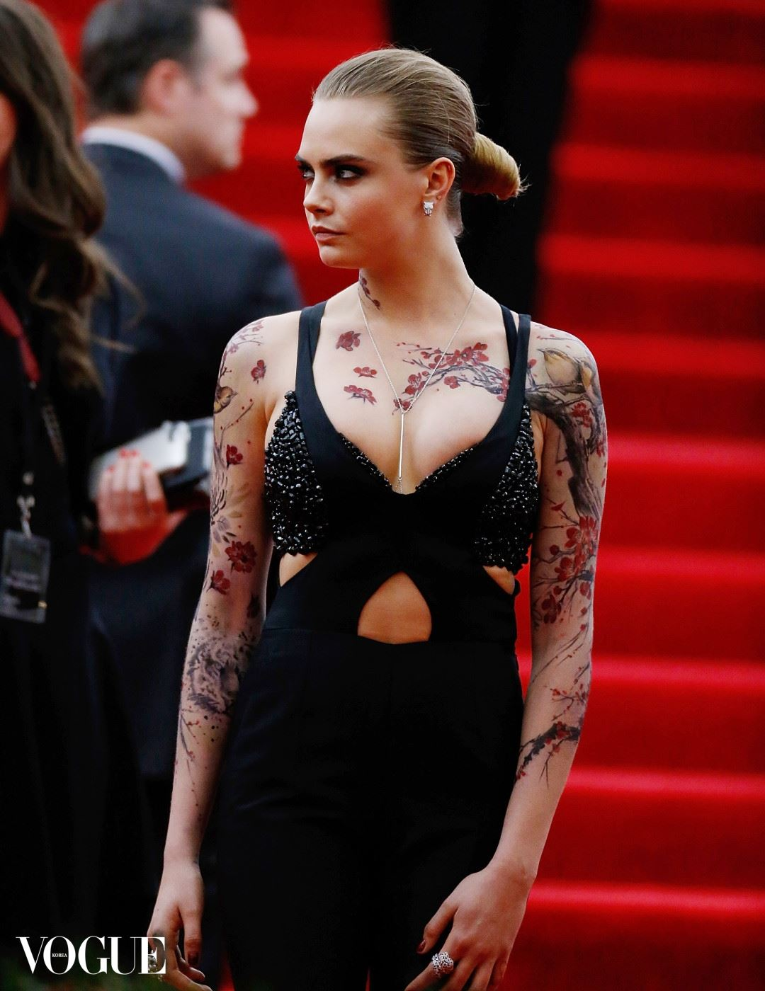 """NEW YORK, NY - MAY 04:  Cara Delevigne  attends """"China: Through The Looking Glass"""" Costume Institute Benefit Gala  at Metropolitan Museum of Art on May 4, 2015 in New York City.  (Photo by John Lamparski/Getty Images)"""