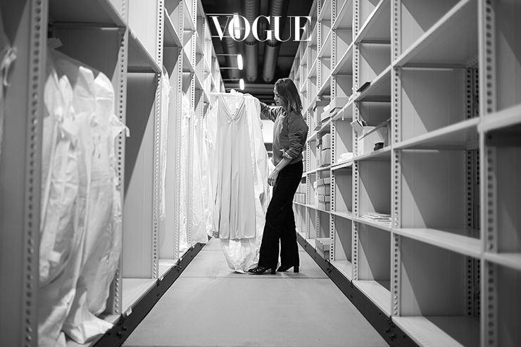 마크앤스펜서의 기존 아카이브를 토대로, 현대 여성들을 위한 컬러와 디자인을 연구한 알렉사 청. 그녀가 준비한 옷 30벌은 4월 13일에 공개됩니다.