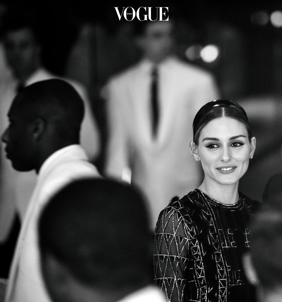 """NEW YORK, NY - DECEMBER 07:  (EDITORS NOTE: This image has been converted to black and white.) Olivia Palermo attends """"An Evening Honoring Valentino"""" Lincoln Center Corporate Fund Gala at Alice Tully Hall at Lincoln Center on December 7, 2015 in New York City.  (Photo by Grant Lamos IV/Getty Images)"""
