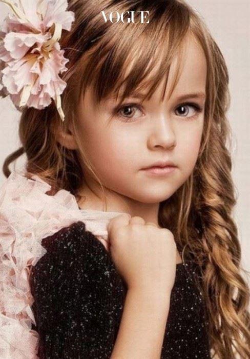모델이었던 엄마 덕분에 어린 나이에 모델 학교를 다녔고 3살때부터 모델 활동을 시작했습니다.
