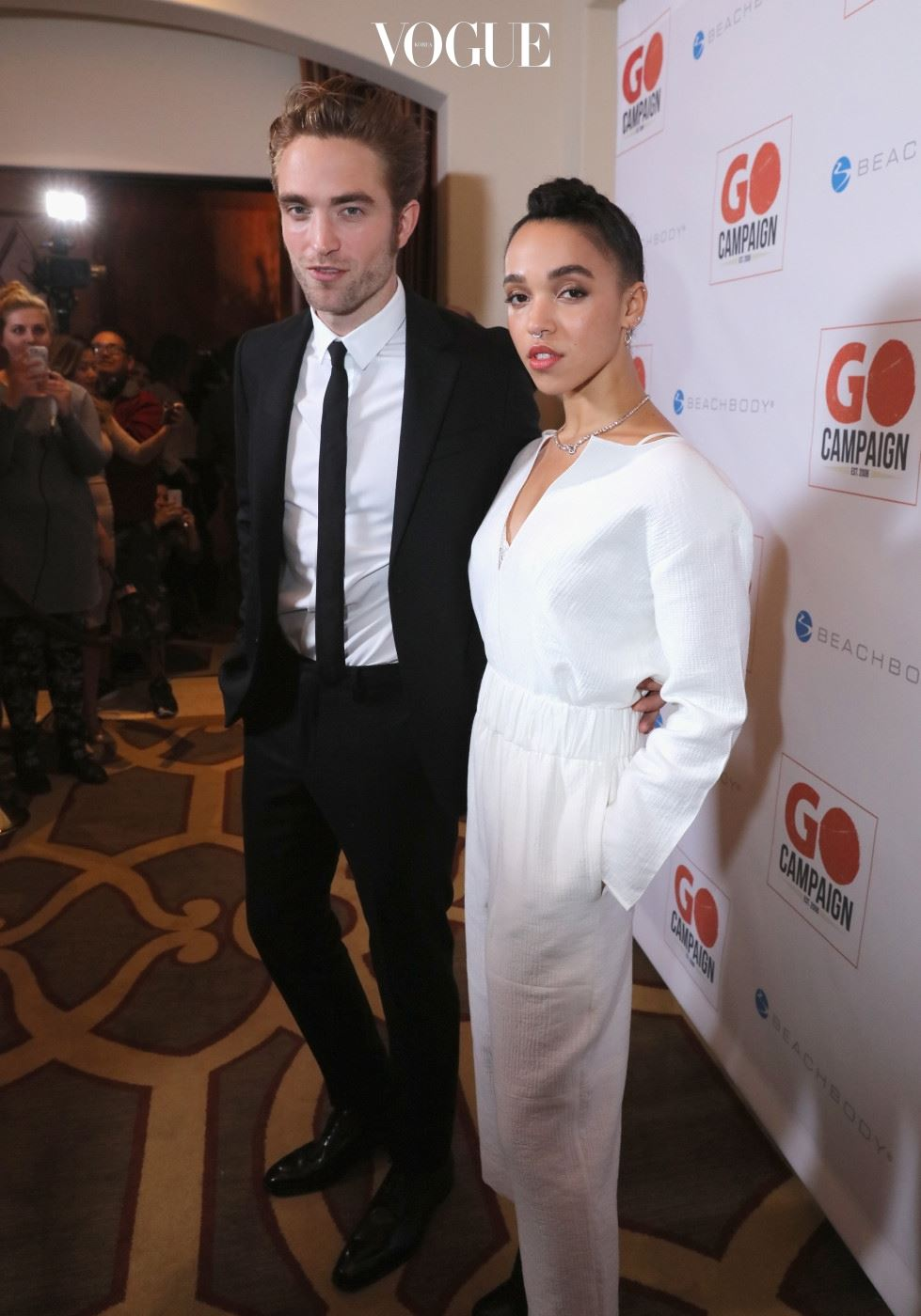 BEVERLY HILLS, CA - NOVEMBER 12:  Actor Robert Pattinson (L) and FKA twigs attend the 8th Annual GO Campaign Gala at Montage Beverly Hills on November 12, 2015 in Beverly Hills, California.  (Photo by Mark Davis/Getty Images)