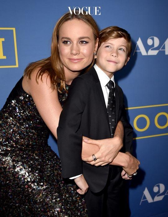 브리 라슨은 5살 아들 잭 역을 맡은 제이콥과의 유대감 형성을 위해 실제로 많은 시간을 함께 보내며 정을 쌓았다는 군요.
