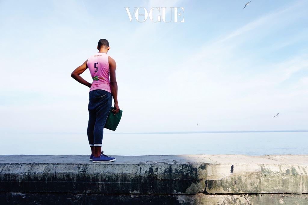 그래서 쿠바를 한 번 찾은 여행자는, 자신의 부서진 마음을 어쩌지 못하고 다시 한 번 쿠 바를 찾게 되는 것이다.
