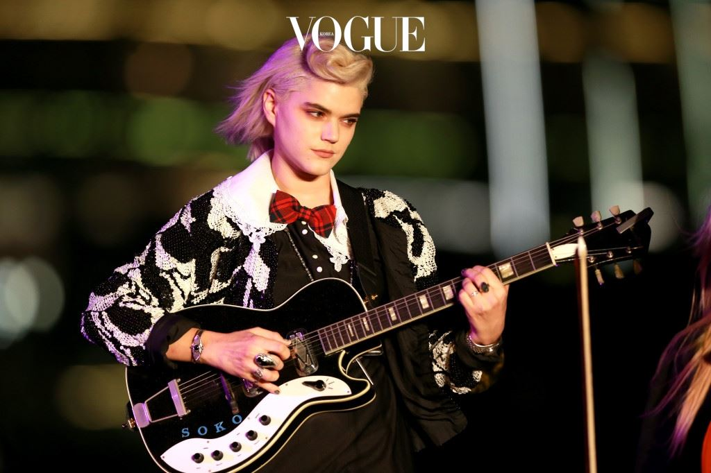 DUBAI, UNITED ARAB EMIRATES - OCTOBER 31:  Singer Soko performs at the Gala Event during the Vogue Fashion Dubai Experience on October 31, 2014 in Dubai, United Arab Emirates.  (Photo by Neville Hopwood/Getty Images for Vogue & The Dubai Mall)