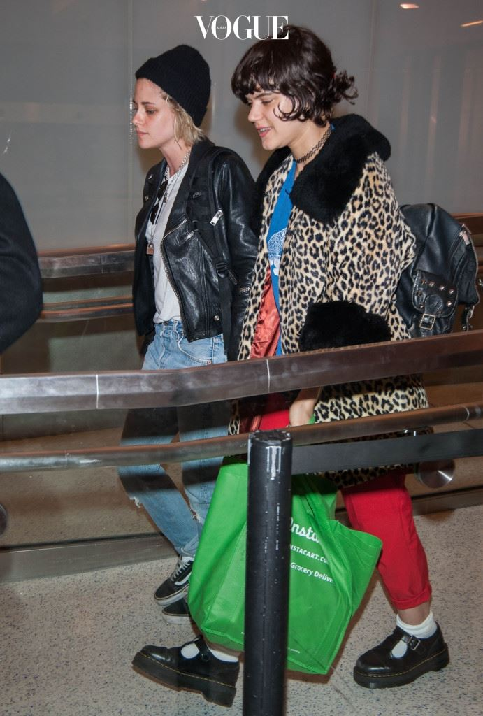 """EXCLUSIVE: Kristen Stewart spotted holding hands with girlfriend Stephanie """"Soko"""" Sokolinski at LAX airport in Los Angeles, California. The couple was seen catching a late night flight. Pictured: Kristen Stewart and Stephanie """"Soko"""" Sokolinski Ref: SPL1261006  100416   EXCLUSIVE Picture by: Splash News Splash News and Pictures Los Angeles:310-821-2666 New York:212-619-2666 London:870-934-2666 photodesk@splashnews.com"""
