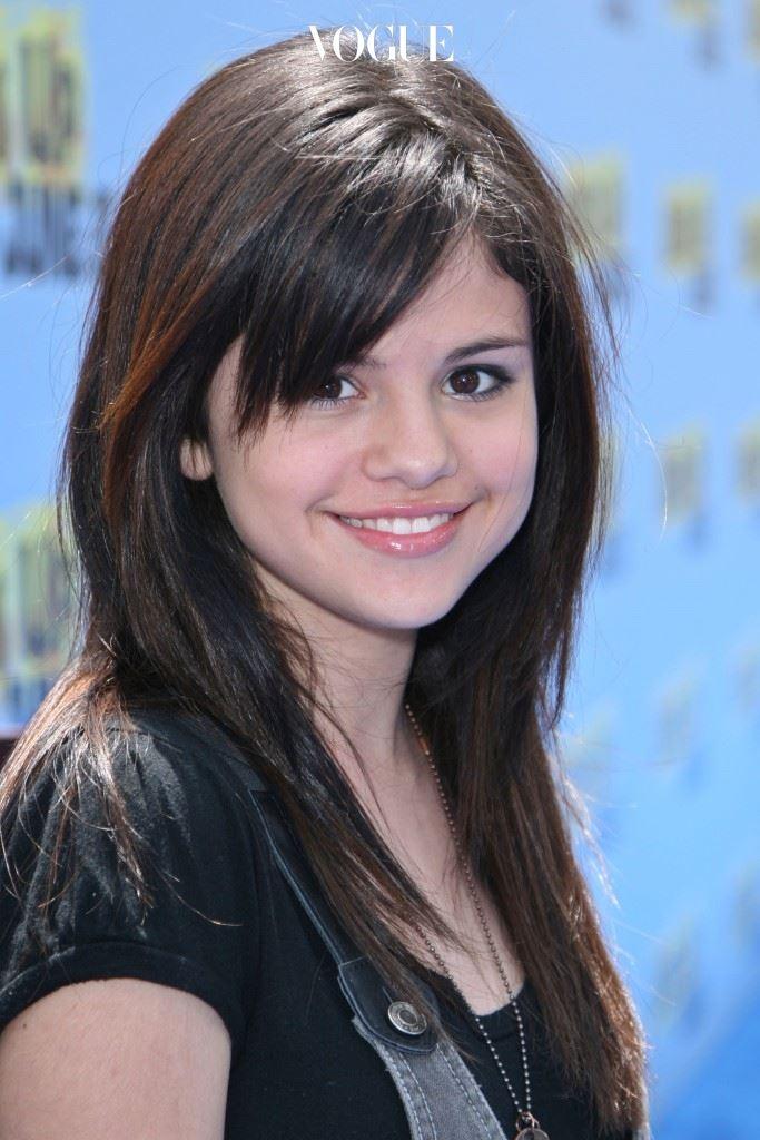 1992년, 멕시코계 아버지와 이탈리아계 어머니에게서 태어난 셀레나. 2002년, 미국 PBS 방송국의 TV 시리즈 '바니 앤 프렌즈(Barney & Friends)'로 데뷔.