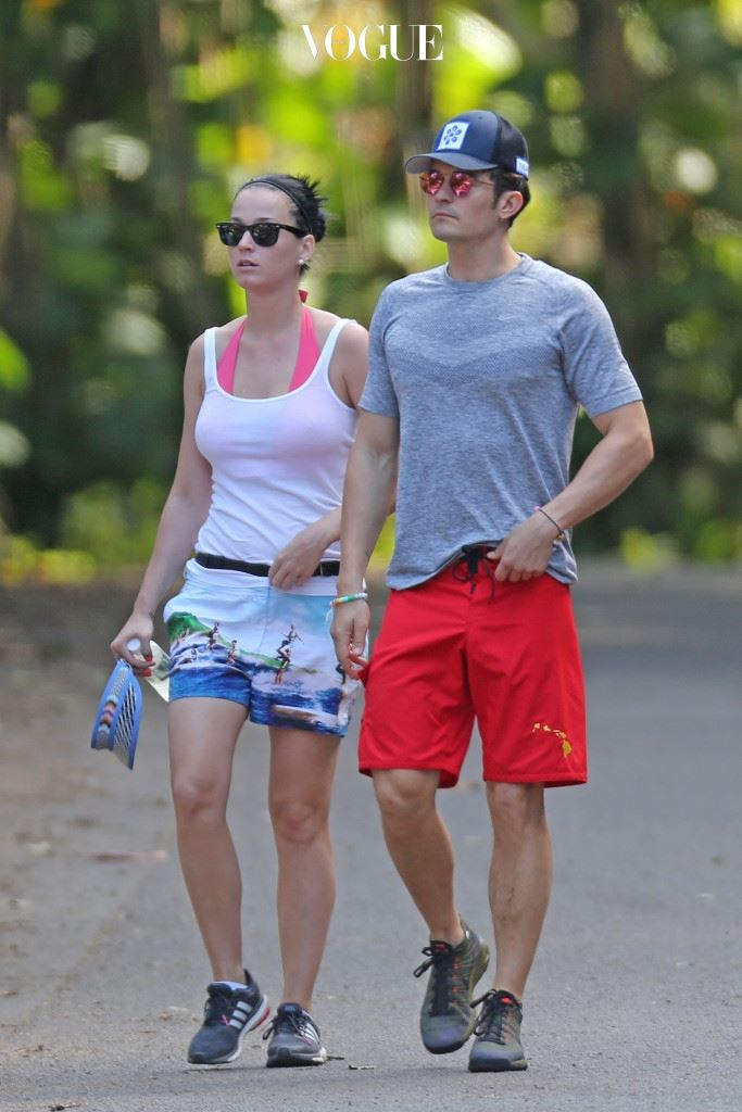 EXCLUSIVE: *PREMIUM EXCLUSIVE RATES APPLY* NO WEB UNTIL 2PM PST, MARCH 2 *NO TV UNTIL 3PM EST, MARCH 1* A bikini clad Katy Perry and shirtless Orlando Bloom hiking the Napali Coast in Hawaii on February 27. The new couple walked hand in hand and were joined by a couple of friends on their hike. Pictured: Katy Perry and Orlando Bloom Ref: SPL1236723  290216   EXCLUSIVE Picture by: Splash News Splash News and Pictures Los Angeles:310-821-2666 New York:212-619-2666 London:870-934-2666 photodesk@splashnews.com