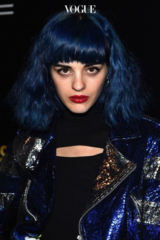 게다가 밀라노를 베이스로 한 패션, 아트, 음악 관련 빈티지 아이템을 다루는 Heavy Pop Market 브랜드의 설립자!