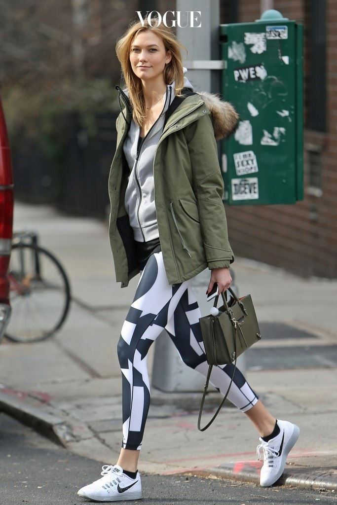 스타의 옷장에는 트렌디한 운동복이 한 가득! 칼리 클로스(Karlie Kloss)