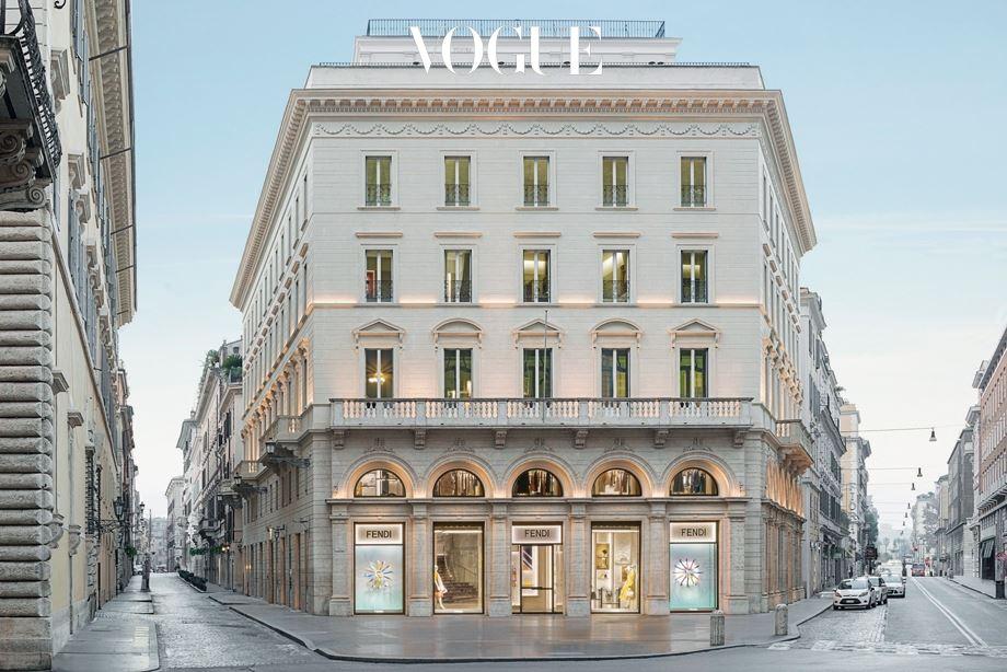 로마 중심부에 펜디 고객만를 위한 특별 공간이 마련됐다. Private 극소수 VIP만 누릴 수 있는 호사스러운 공간 '펜디 프리베'. 비밀스러운 이곳에 〈보그〉가 먼저 초대됐다.