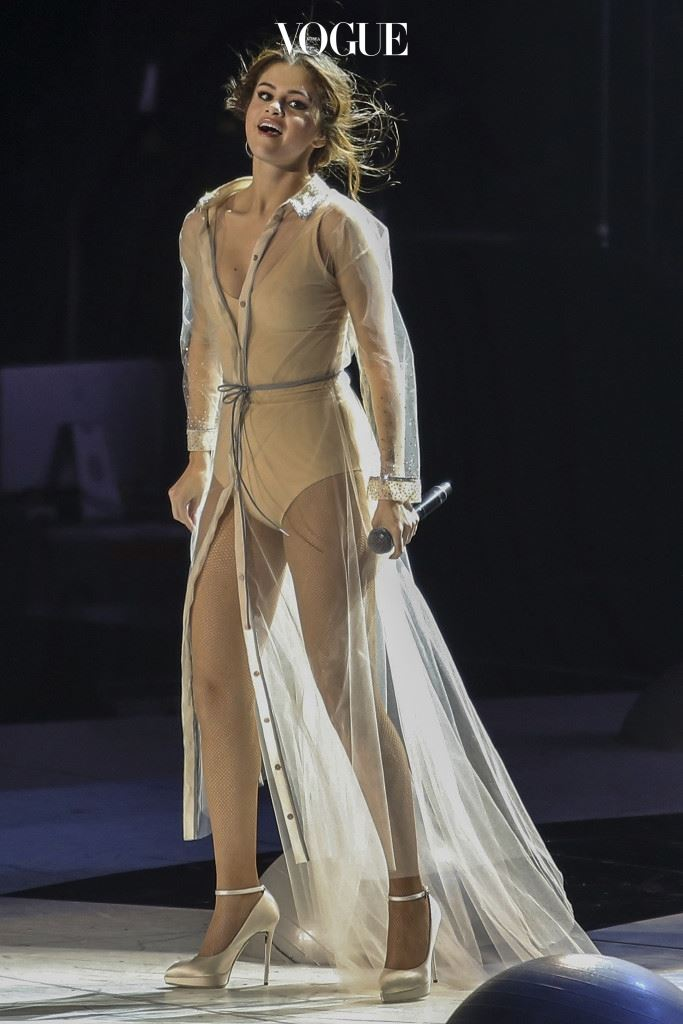 Pop-star Selena Gomez brings performs for debut Revival Tour in Vancouver Canada, on Saturday 14 May 2016. Sporting four outfit changes, Selena looked relaxed and happy after her Orlando Bloom PDA scandal.  Pictured: Selena Gomez Ref: SPL1278234  160516   Picture by: Splash News Splash News and Pictures Los Angeles:310-821-2666 New York: 212-619-2666 London:870-934-2666 photodesk@splashnews.com
