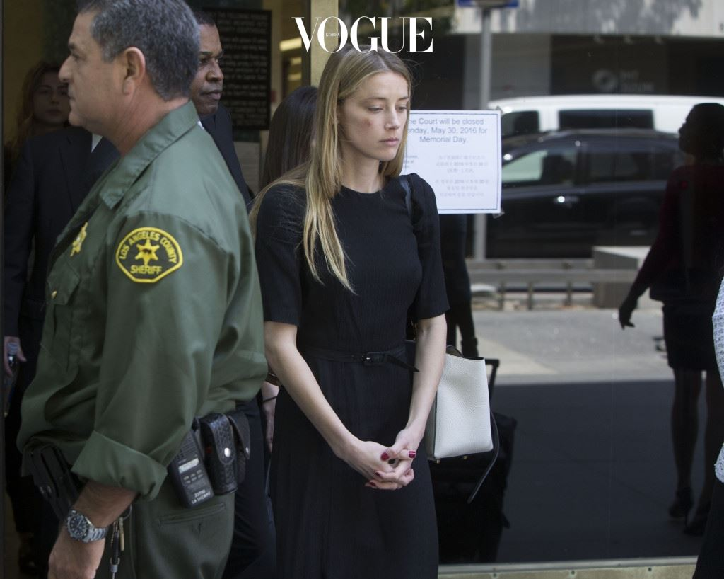 Amber Heard leaves court in LA after claiming Johnny Depp physically assaulted her Friday May 27, 2016 Ref: SPL1291737  270516   Picture by: Clint Brewer / Splash News Splash News and Pictures Los Angeles:310-821-2666 New York:212-619-2666 London:870-934-2666 photodesk@splashnews.com