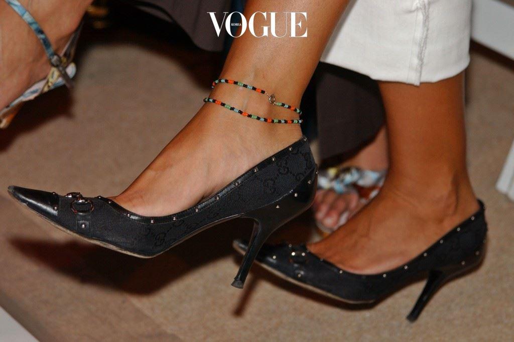 당신의 발목을 좀더 아름답게 만들어줄 이 유행을 좀더 자세히 살펴봅시다!