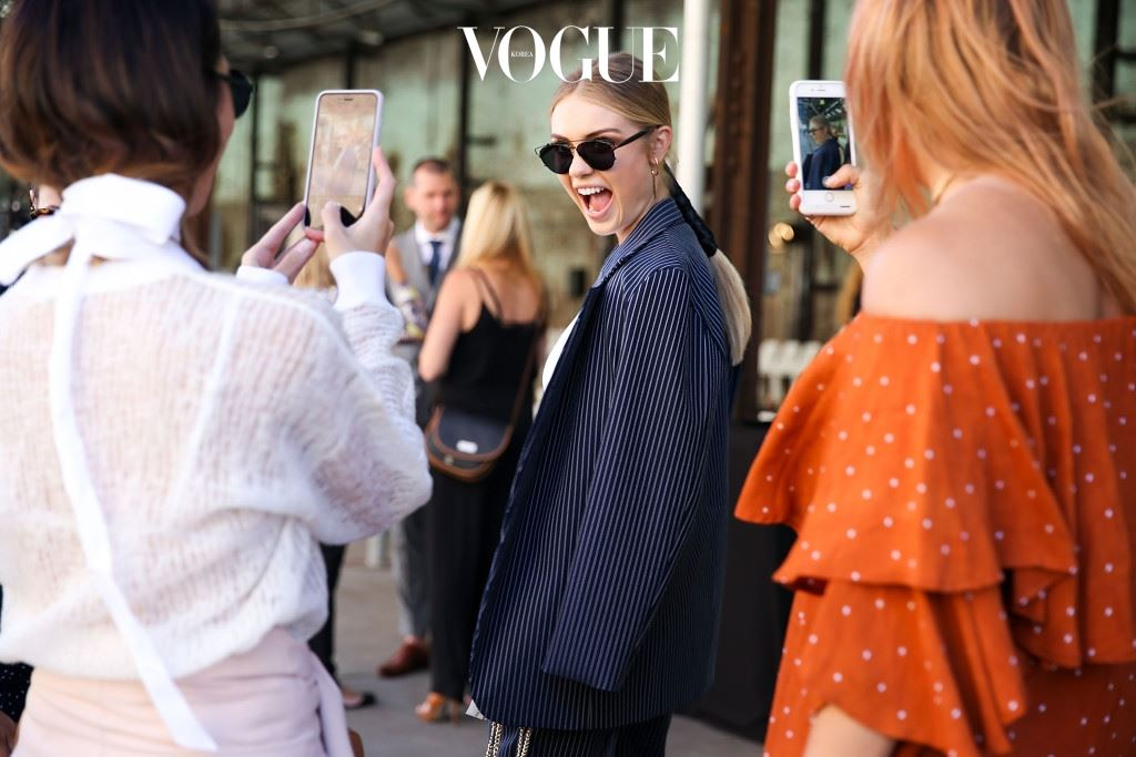 SYDNEY, AUSTRALIA - MAY 17:  Elyse Knowles, wearing By Johnny, arrives at the By Johnny show at Mercedes-Benz Fashion Week Resort 17 Collections at Carriageworks on May 17, 2016 in Sydney, New South Wales.  (Photo by Caroline McCredie/Getty Images)