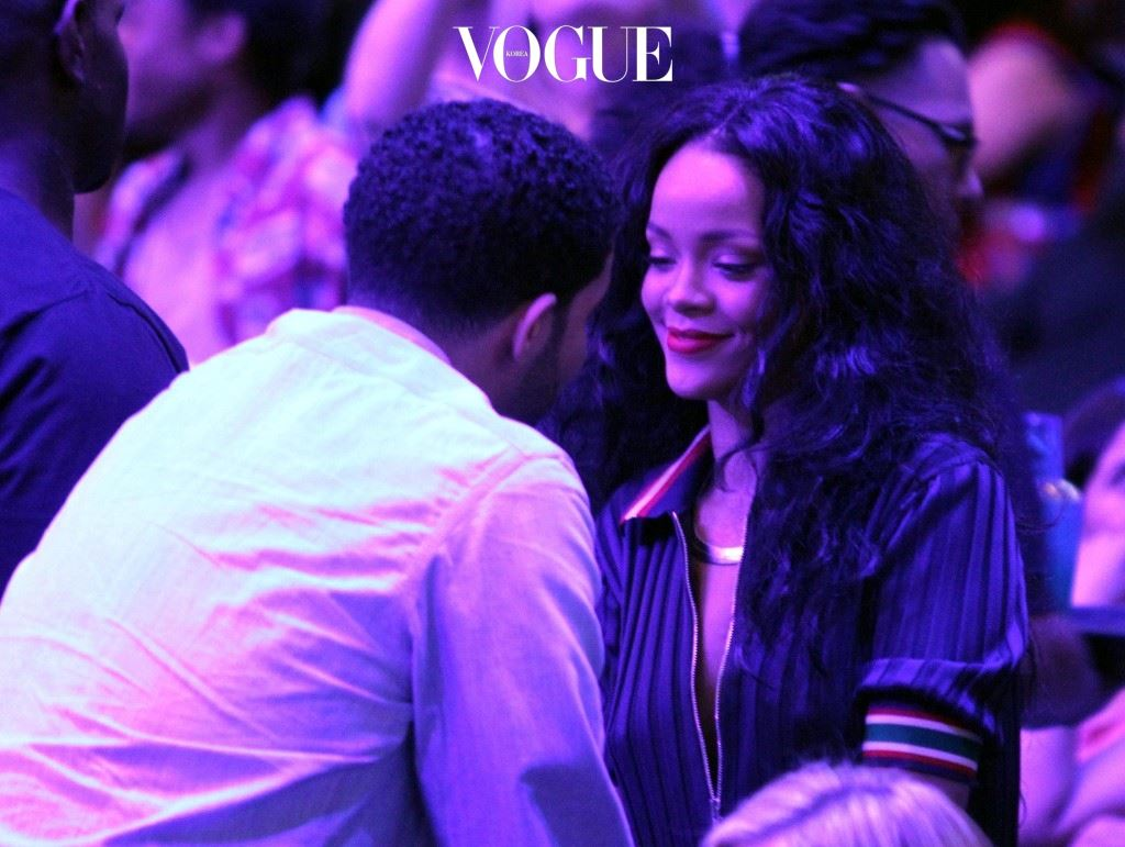 Drake and Rihanna at the Clippers game in LA.  The Oklahoma City Thunder defeated the Los Angeles Clippers by the final score of 107-101 at Staples Center in Downtown Los Angeles.  Pictured: Drake and Rihanna Ref: SPL735819  090414   Picture by: London Entertainment / Splash News Splash News and Pictures Los Angeles:310-821-2666 New York:212-619-2666 London: 870-934-2666 photodesk@splashnews.com