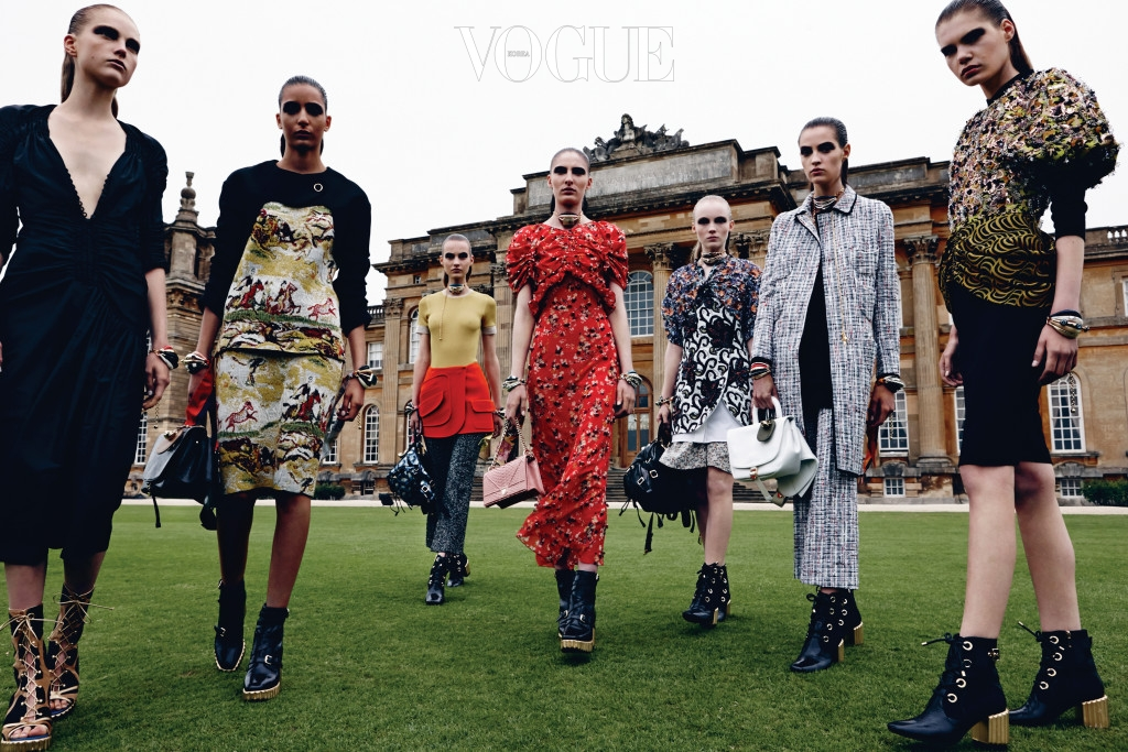 DIOR_CRUISE_2017 Group_shot_@ Daniel Jackson for Dior