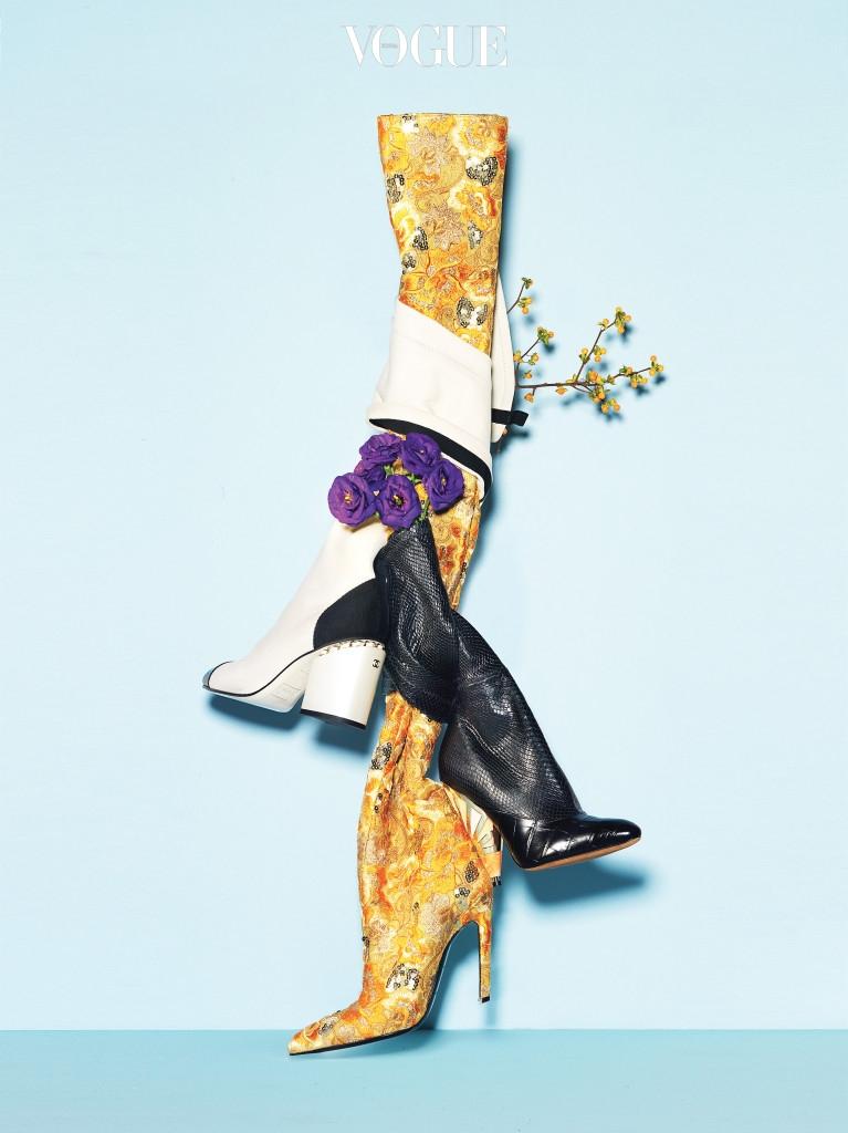 은색 스팽글을 덧댄 노란색 부츠는 발렌시아가(Balenciaga), 비단뱀 가죽 부츠는 지방시(Givenchy), 흰색 부츠는 샤넬(Chanel).