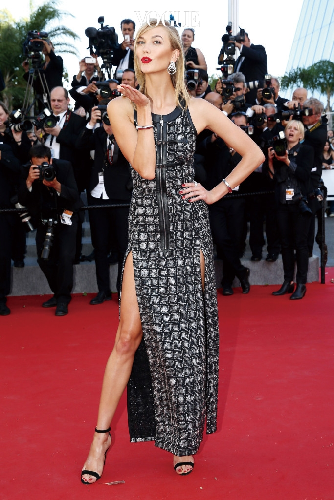 """CANNES, FRANCE - MAY 20:  Karlie Kloss attends the Premiere of """"Youth"""" during the 68th annual Cannes Film Festival on May 20, 2015 in Cannes, France.  (Photo by Andreas Rentz/Getty Images)"""