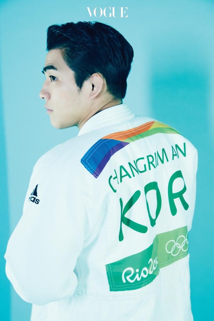 올림픽 경기 때 입은 유도복 차림의 안창림.