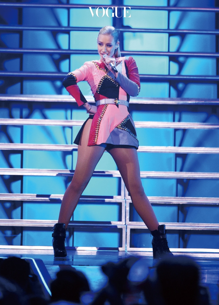 LAS VEGAS, NV - SEPTEMBER 20:  Rapper Iggy Azalea performs onstage during the 2014 iHeartRadio Music Festival at the MGM Grand Garden Arena on September 20, 2014 in Las Vegas, Nevada.  (Photo by Ethan Miller/Getty Images for iHeartMedia)