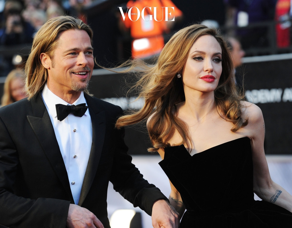 HOLLYWOOD, CA - FEBRUARY 26:  Actor Brad Pitt (L) and actress Angelina Jolie arrive at the 84th Annual Academy Awards held at the Hollywood & Highland Center on February 26, 2012 in Hollywood, California.  (Photo by Jason Merritt/Getty Images)